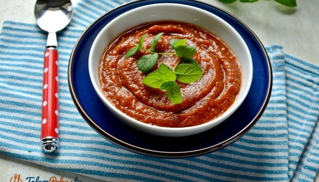 Krem pomidorowy z pieczoną papryka i bakłażanem
