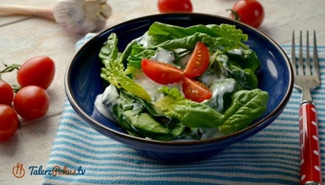 Przepisy Salatki I Surowki Dietetyczne Szpinak W Sosie