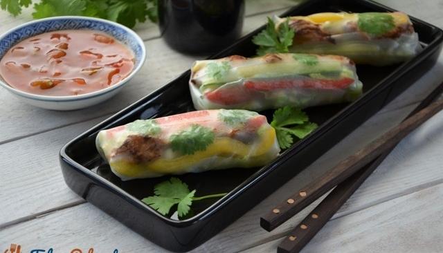 Spring rolls z warzywami i wieprzowiną
